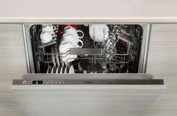 lavastoviglie Whirlpool