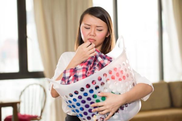 Panni che puzzano dopo lavaggio