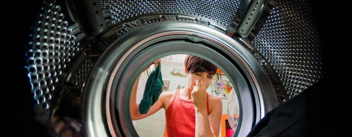 Cattivo odore lavatrice: cause e rimedi