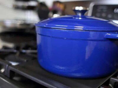 Forno olandese: che cos'è e come si usa per cucinare