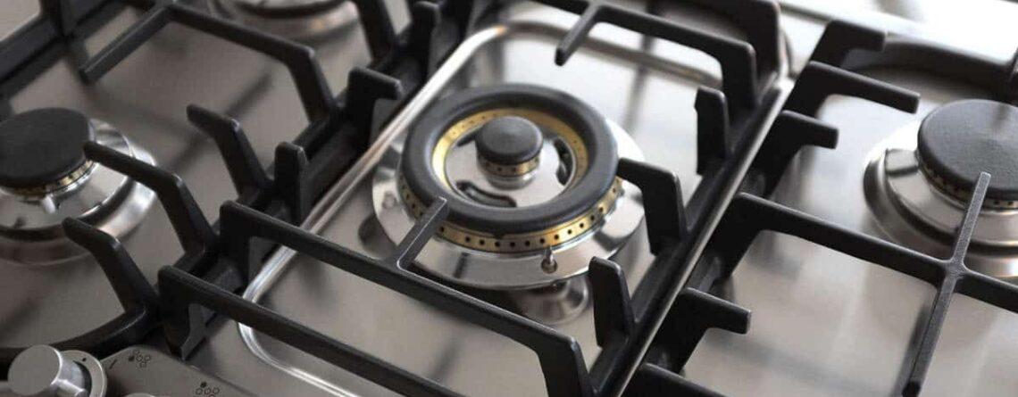 Come pulire le griglie dei fornelli del piano cottura: consigli utili