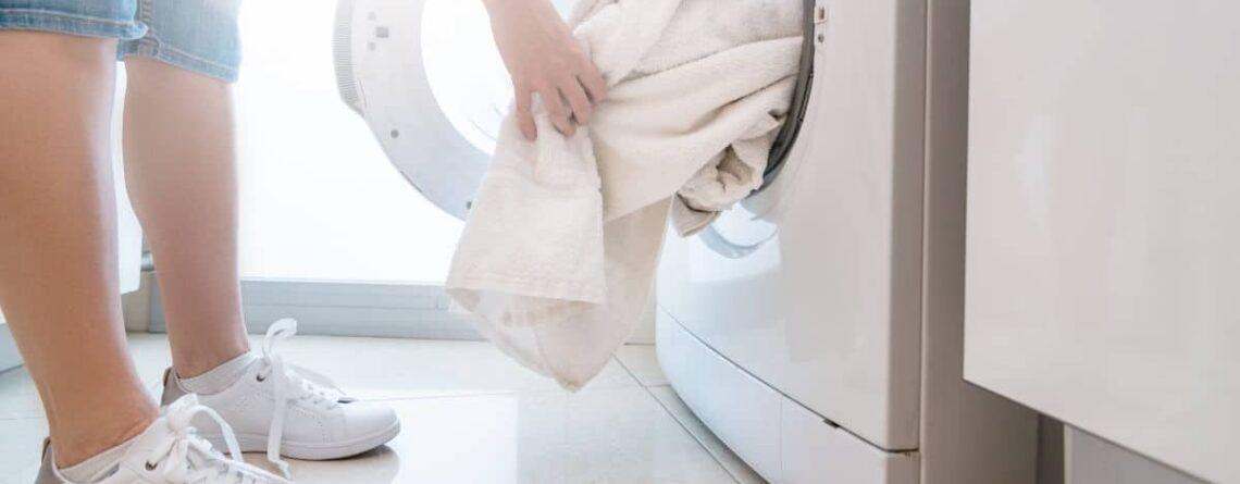 Cosa non mettere in asciugatrice? Gli indumenti da evitare e quelli concessi