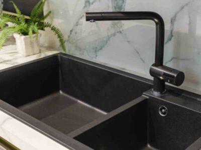 Guida alla pulizia del lavello Elleci in Granitek